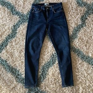 """AGOLDE Sophie Size 26. 10"""" Rise and 26"""" Inseam."""